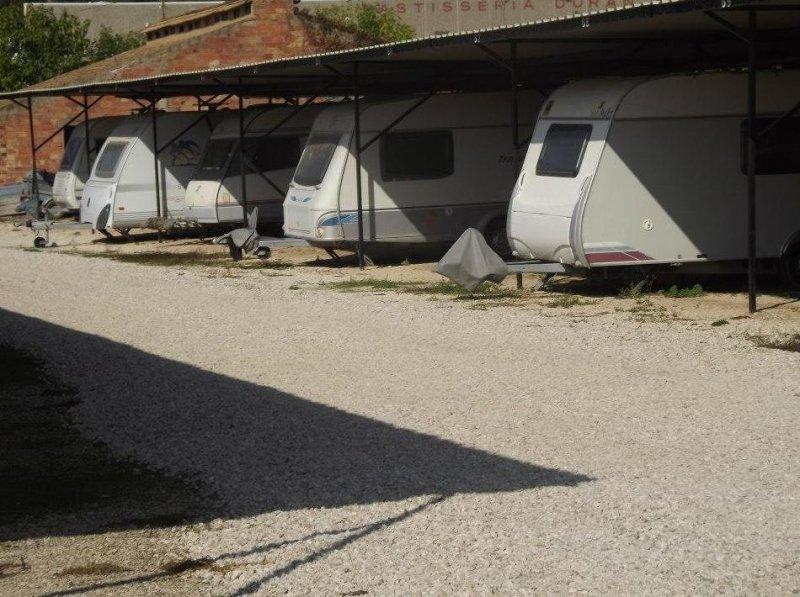 park pira caravanas